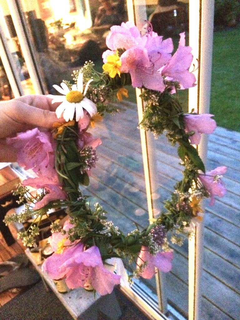 basis-home-made-flower-crown