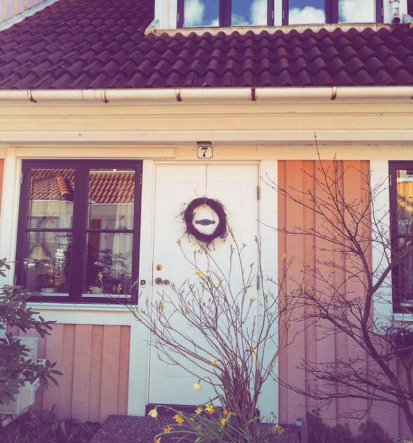 frennarp-pink-house