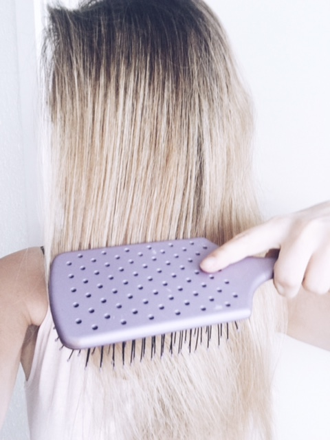 wet-brush-hair