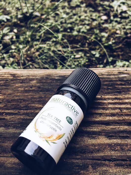 huile-essentielle-d-arbre-a-the-wood