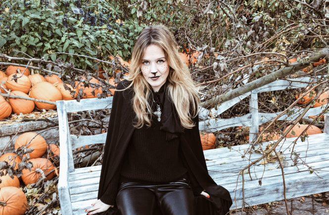 maquillage-d-halloween-main