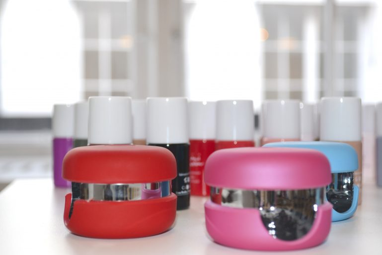 mini macaron mode showroom presse