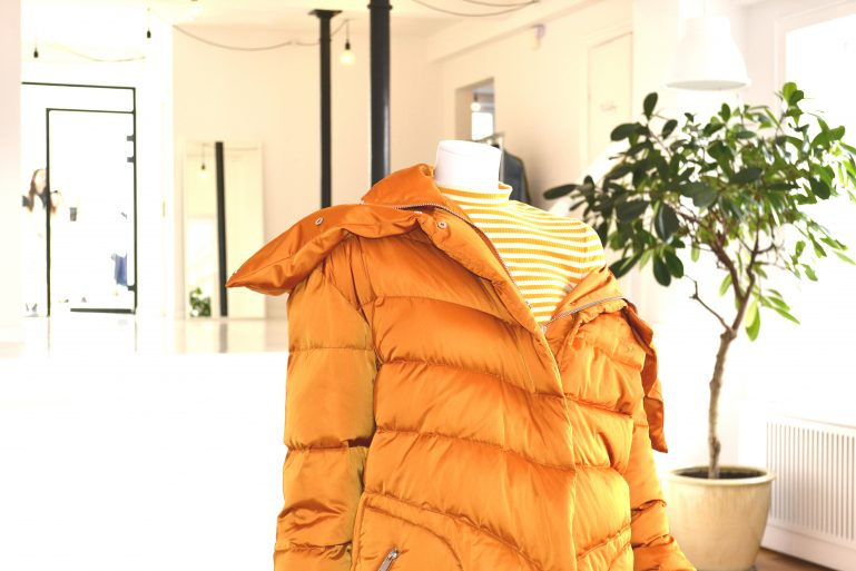parka orange mannequin mode
