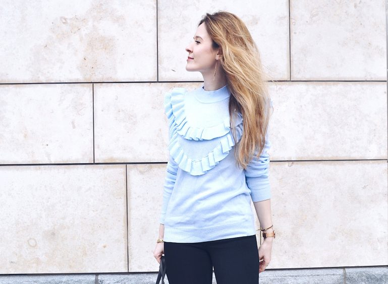 long hair blogger fashion ruffle top