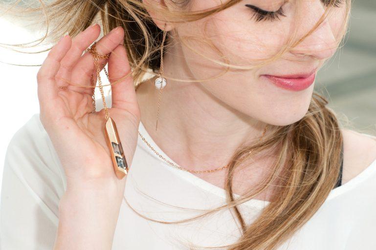 détails necklace ereen smith