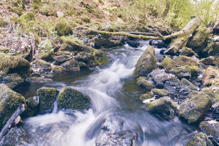 eau en mouvement waterfall cascade sweden