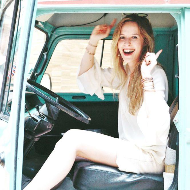 good mood summer travel blogger