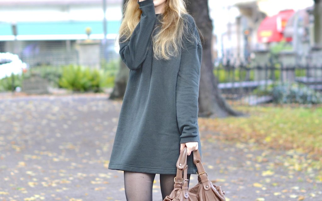 The sweater dress : how to wear it?