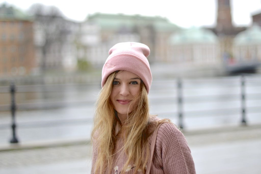 Feather hat and japanese sweater in Stockholm