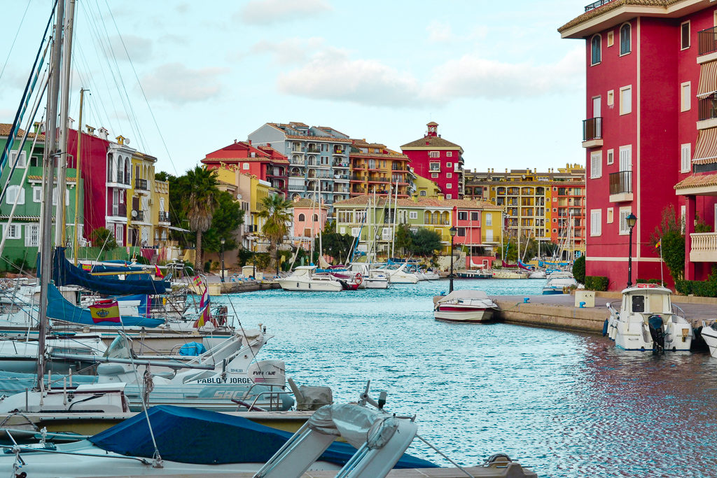 "Discover Port Saplaya, the ""little Venice"" of Valencia"