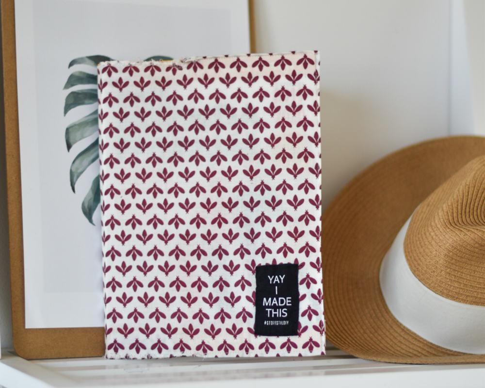 Comment réaliser une couverture de livre DIY en couture?