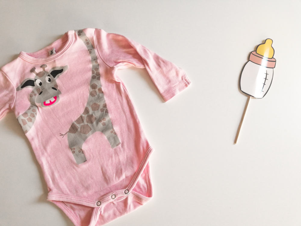 Newborn baby essentials list: what do you need?